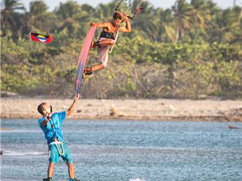 5 Tricks for Beginners with J Kelsick - Kitesurfing News