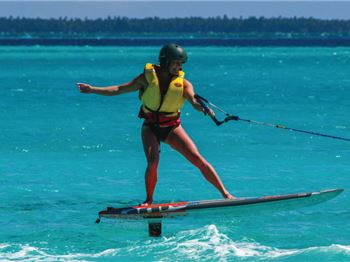 Kitesurfing Tips: How to ride a foil board