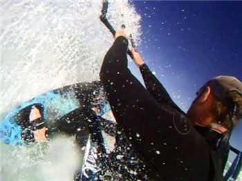 Filming kitesurfing over your shoulder with a GoPro HD